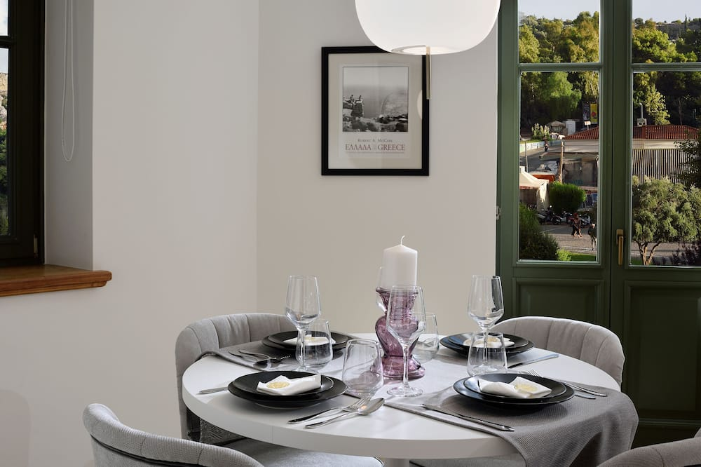 Luxury Apartment, 1 Bedroom (Panoramic Acropolis View) - In-Room Dining
