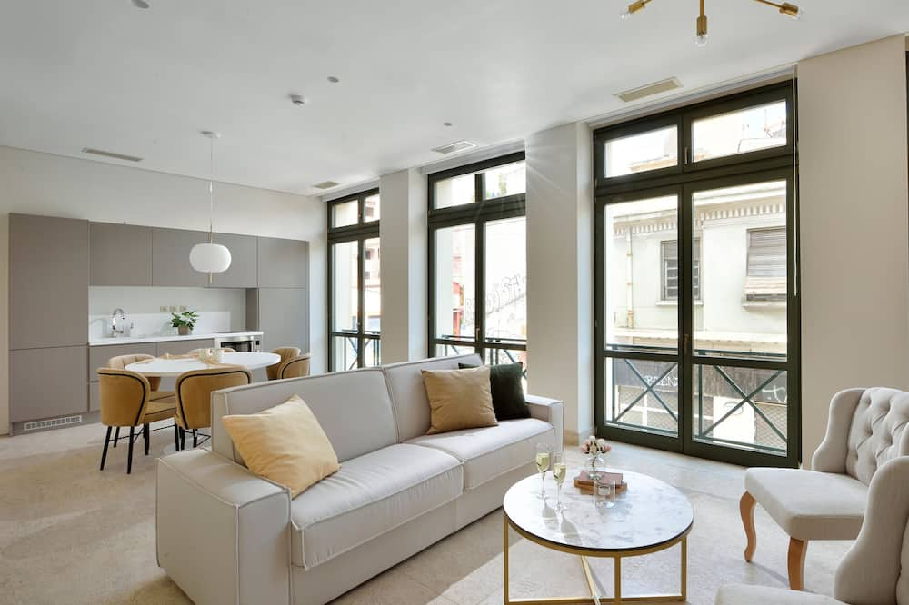 Grand Apartment, 2 Bedrooms (Thissio View) - Living Room