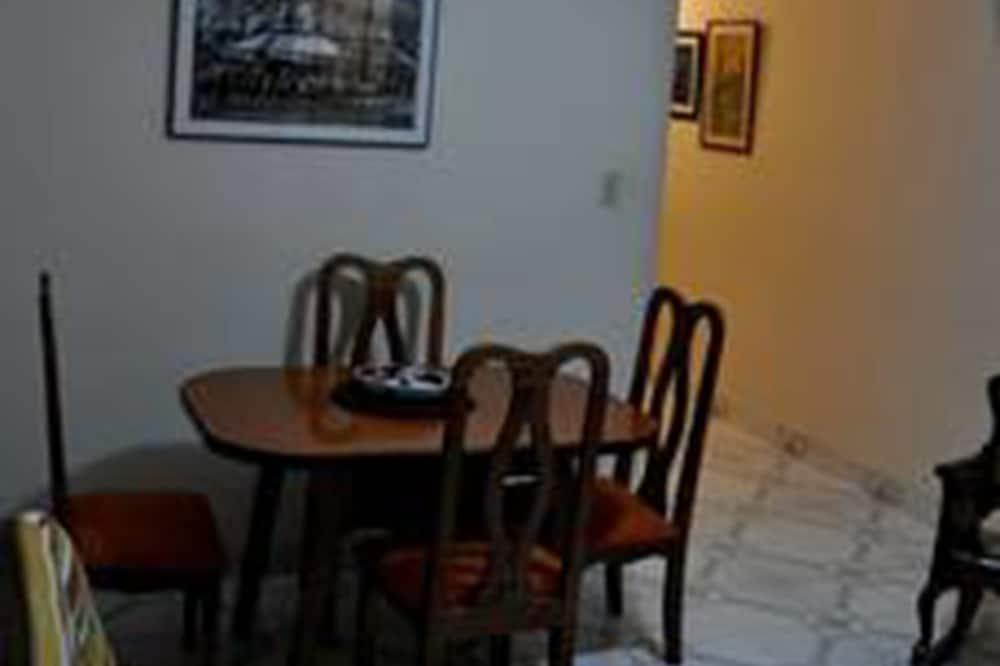 이코노미 아파트, 침실 2개, 금연 - 객실 내 다이닝