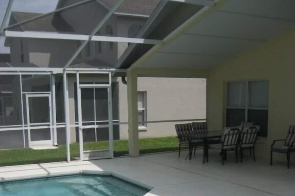 Apartment - Indoor Pool