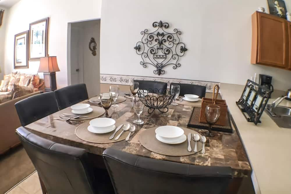House - In-Room Dining
