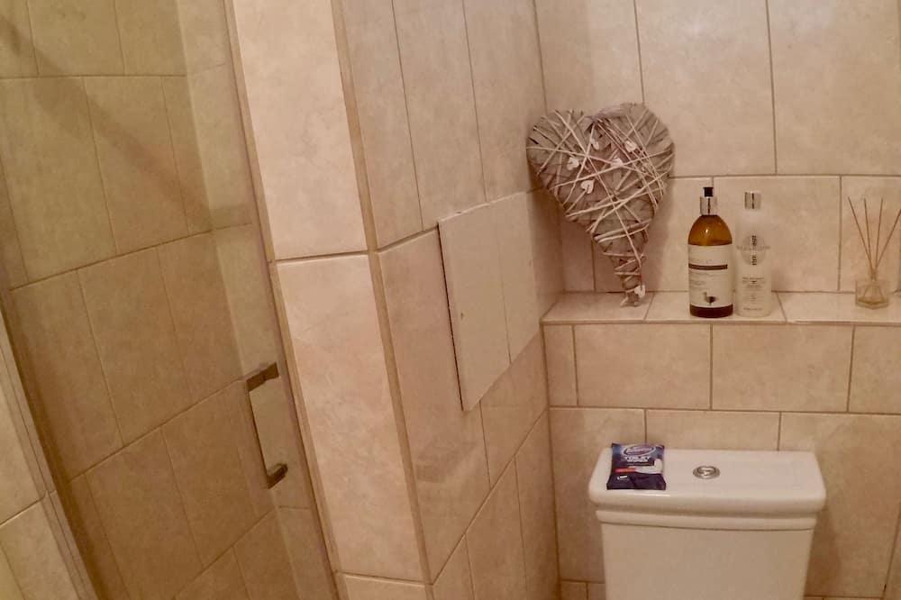 Standard szoba kétszemélyes ággyal (Cream Room) - Fürdőszoba