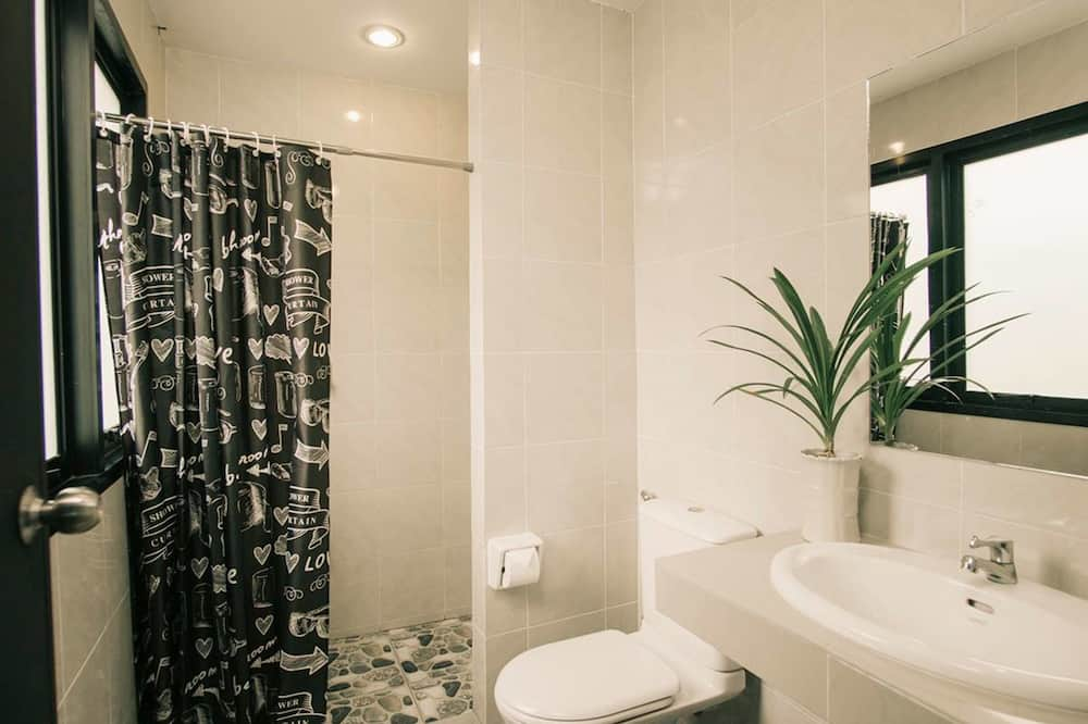 12-Bed Mixed Dormitory With Shared Bathroom - Badezimmer