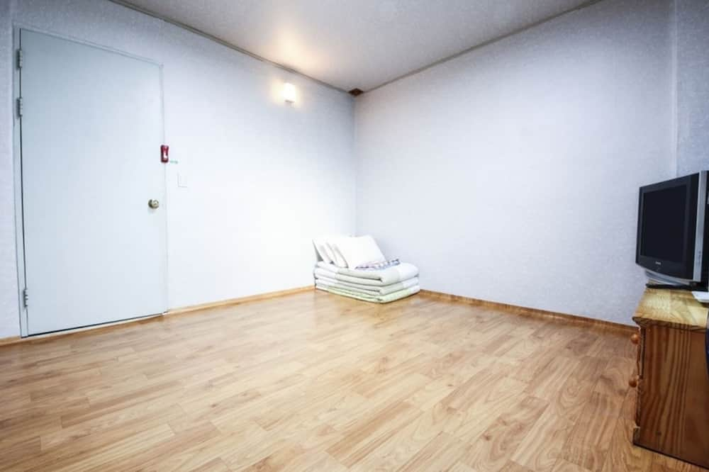 Ondol Room - Guest Room