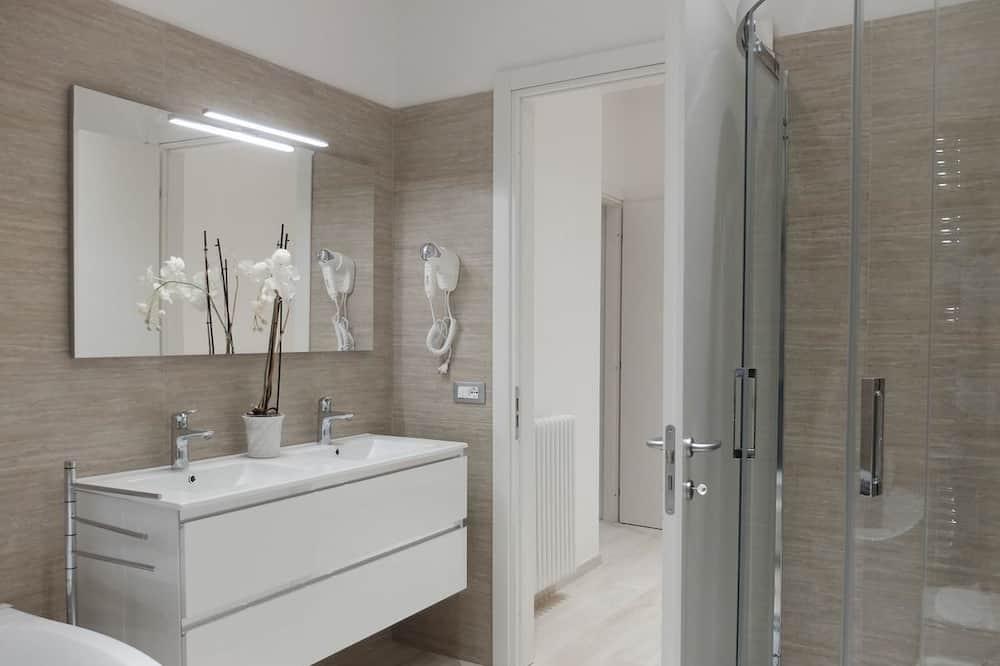 Junior Suite, Garden View - Bathroom