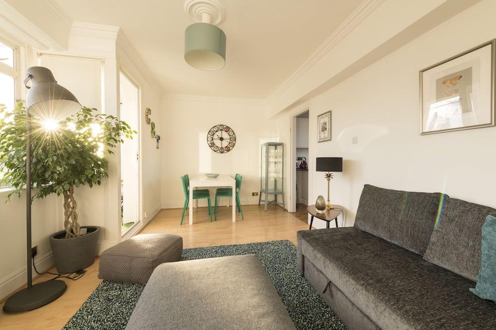 Apartamento, Casa de Banho Privativa - Sala de Estar