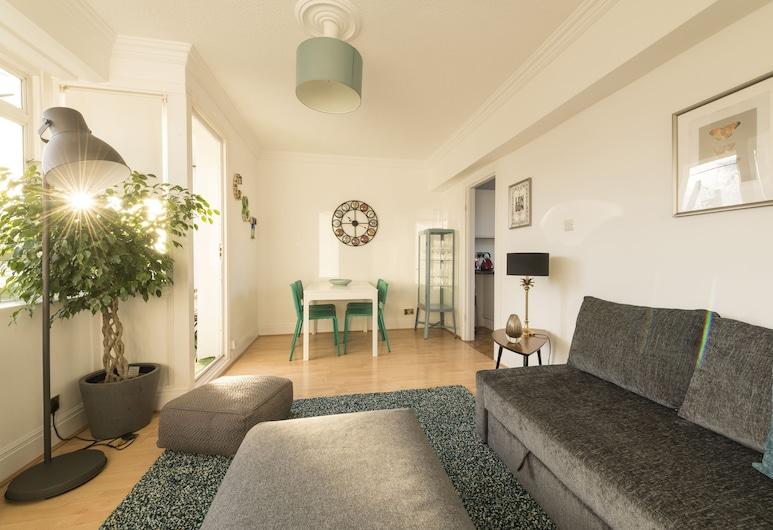 Bright 3 Bedrooms in Central London/lupus Street, London, Külaliskorter, omaette vannitoaga, Elutuba
