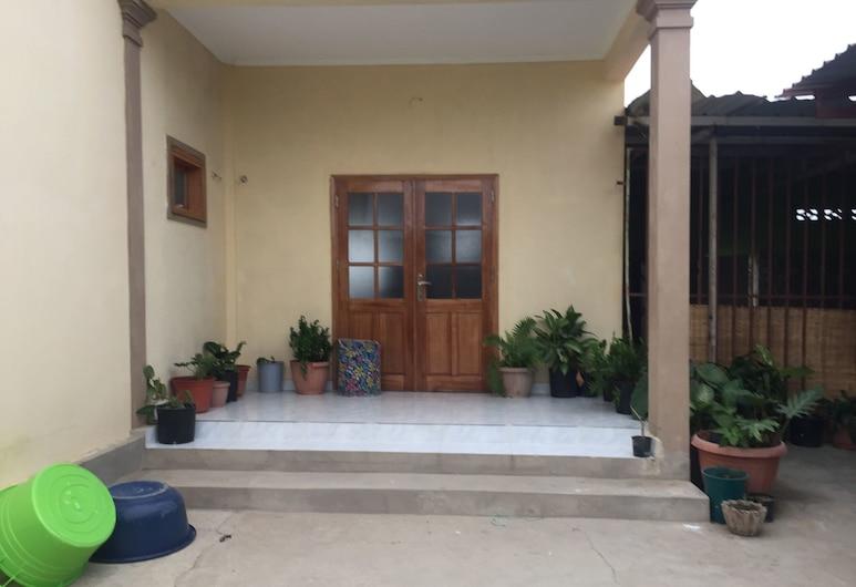 Hostel No Quintal - Hostel , Benguela, Hotel Entrance