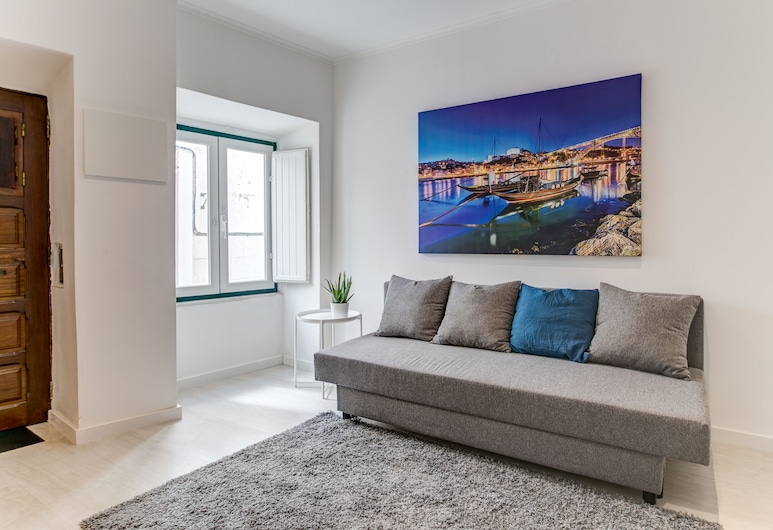Santos Classic by Homing, Lisbon, Apartment, 1 Bedroom, Ground Floor, Living Room