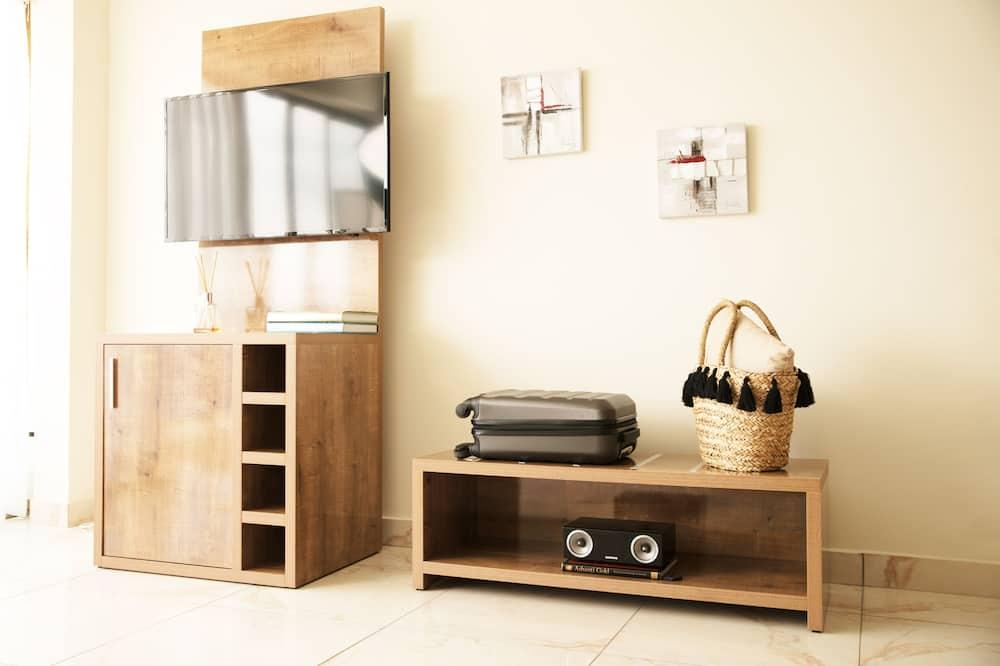 Premium Apartment, 1 Bedroom, Non Smoking, River View - Living Room