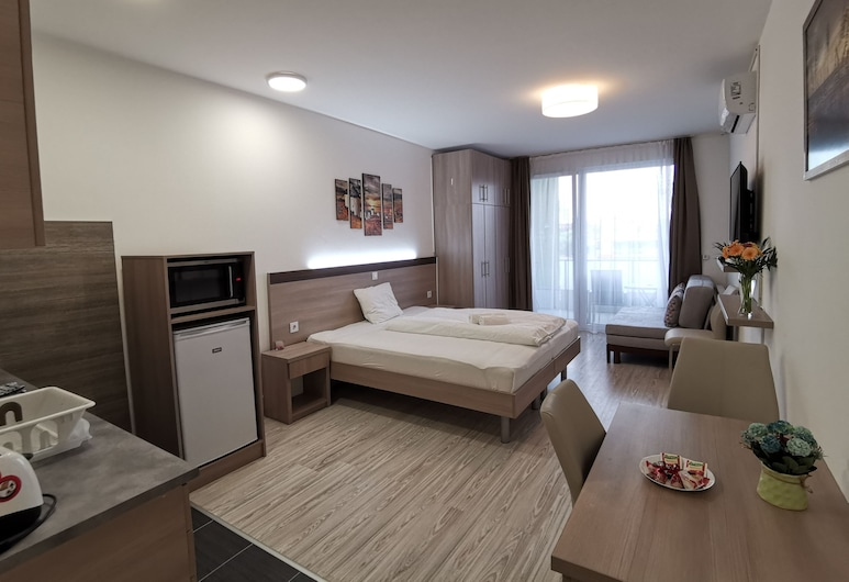 Corvin Holiday Apartment Hotel, Budapest, Studio (studio for 4), Rom