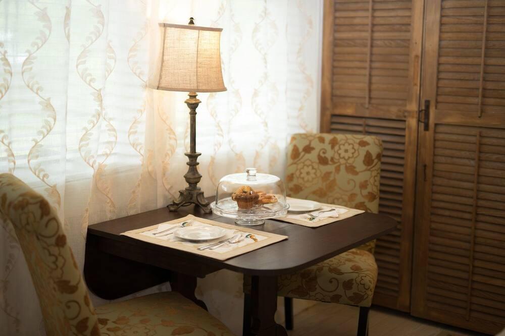 Suite, 1 cama King size, para no fumadores - Servicio de comidas en la habitación