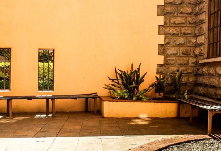 Nairobi Garden House, Nairobi, Terasa