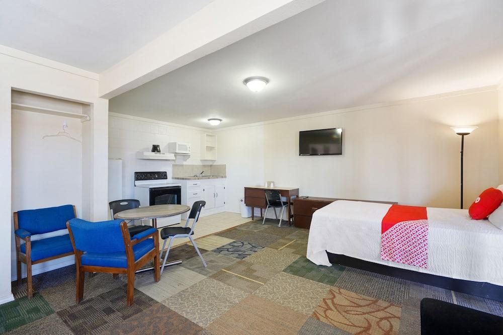 อพาร์ทเมนท์, 3 ห้องนอน, ห้องครัว - พื้นที่นั่งเล่น