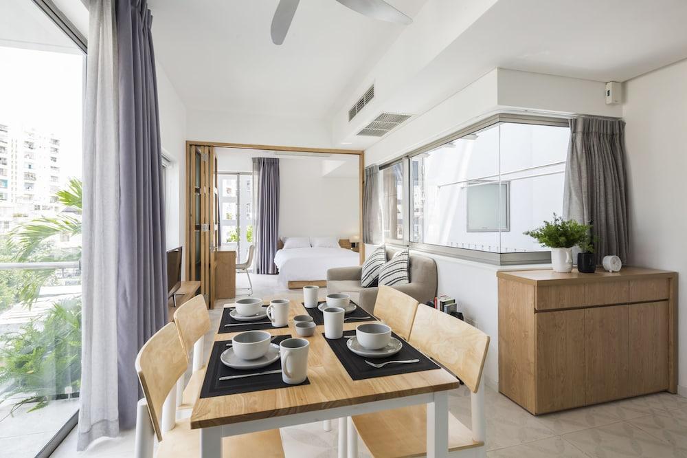 Habitación doble Deluxe, bañera - Servicio de comidas en la habitación