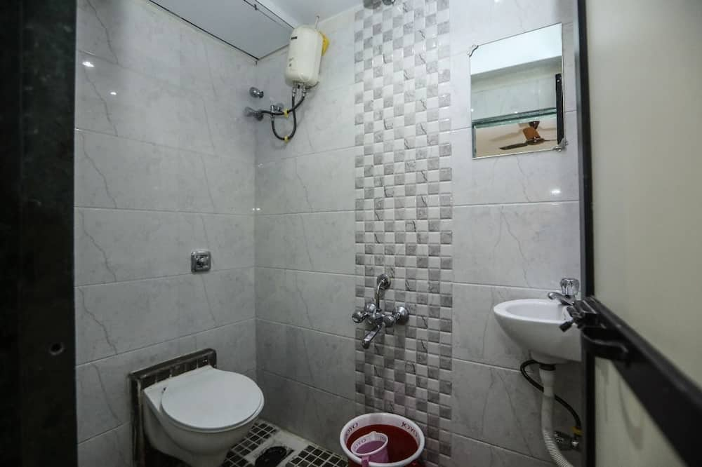 ベーシック ダブルルーム クイーンベッド 1 台 禁煙 - バスルーム