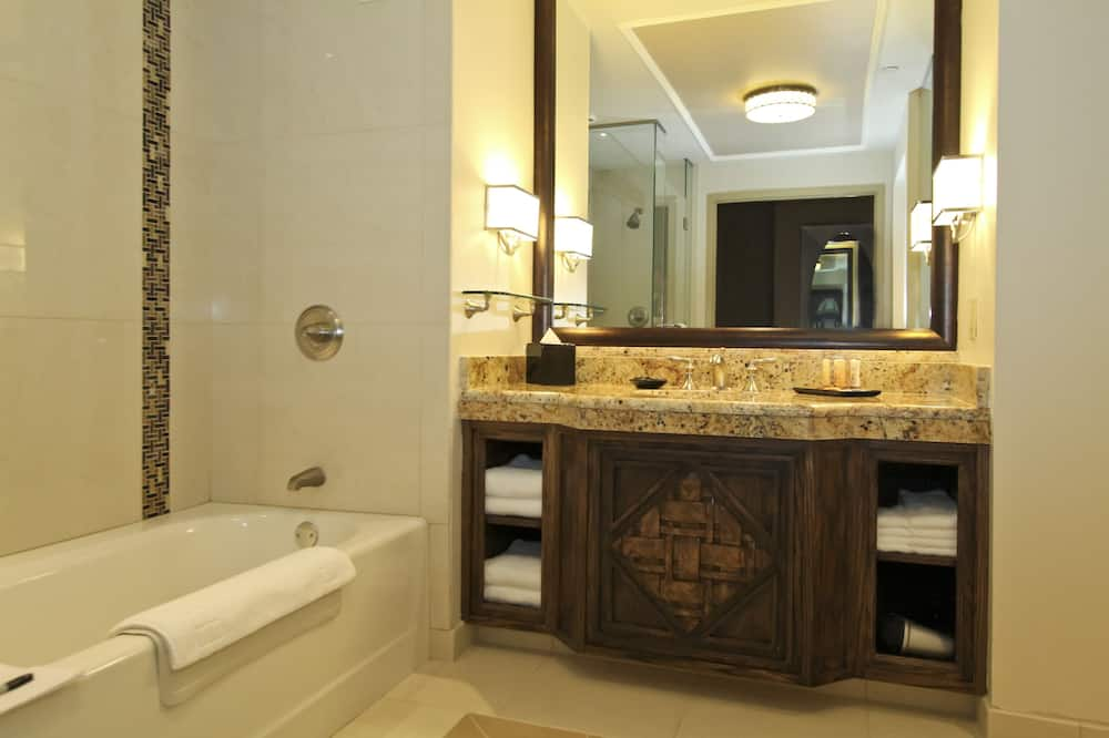 Premium Luxury King - Vannituba