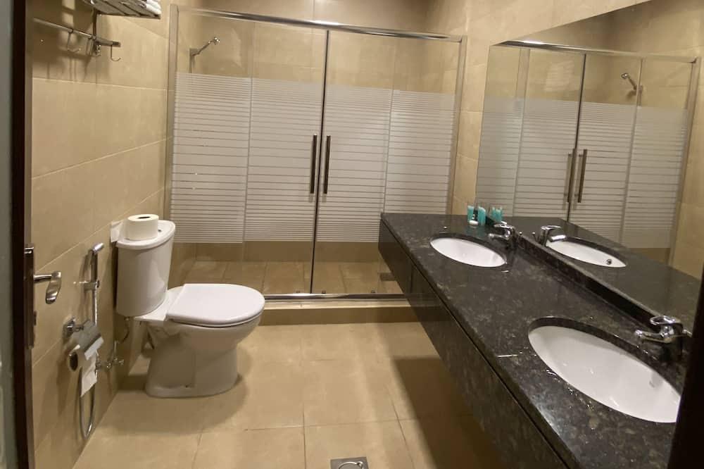 Deluxe - neljän hengen huone - Kylpyhuone