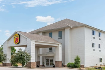 Picture of Super 8 by Wyndham Rolla in Rolla