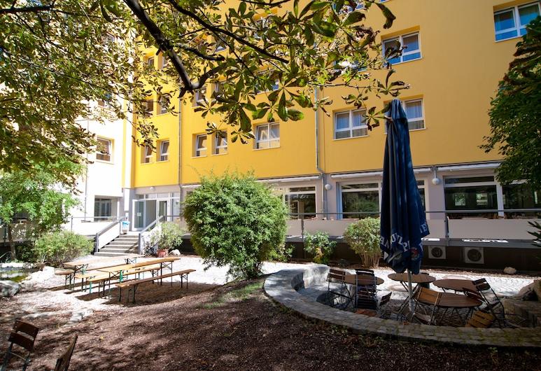 Haus International Hostel, München, Fassaad