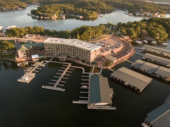 Picture of Camden on the Lake Resort & Spa in Lake Ozark