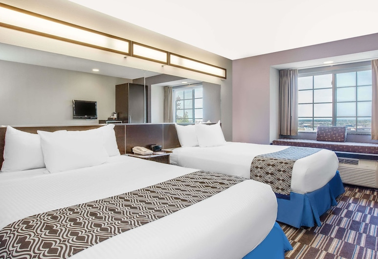 Microtel Inn & Suites by Wyndham Tuscaloosa/Near University, Tuscaloosa, Standard Room, 2 Queen Beds, Guest Room