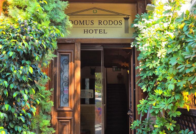 Domus Rodos Hotel, Rodosz, Hotel bejárata
