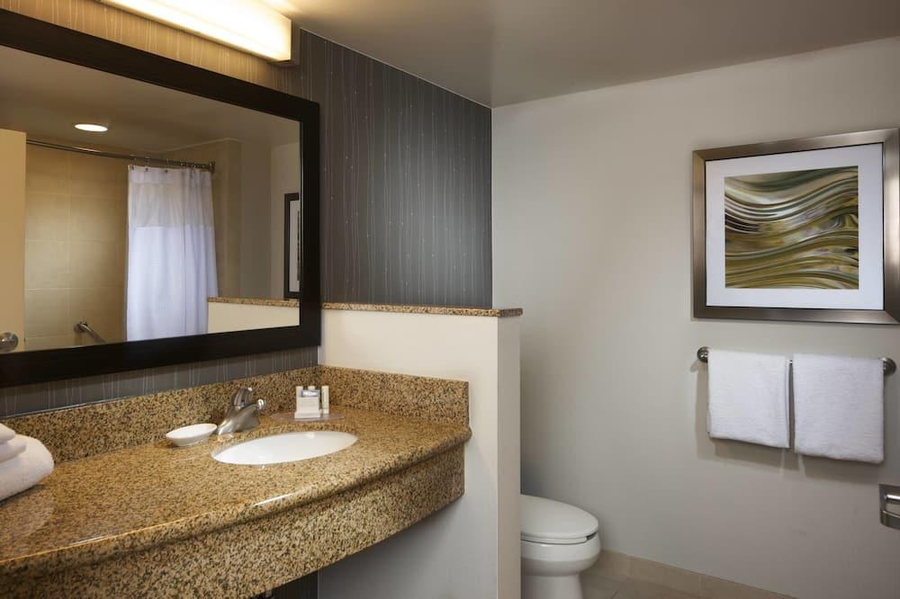 Habitación, 1 cama King size con sofá cama, para no fumadores - Baño