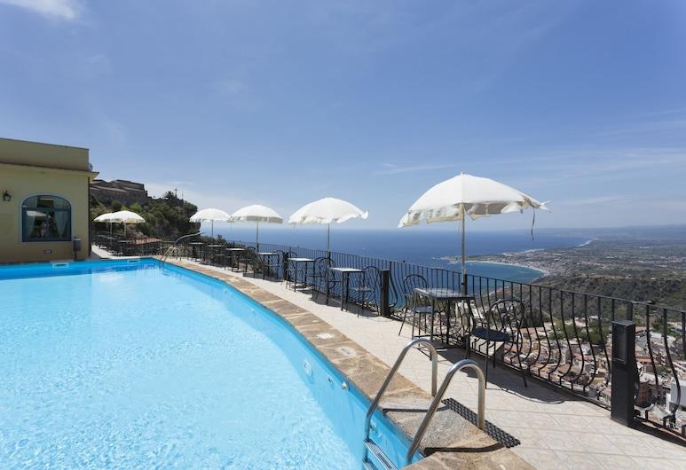 Hotel Sole Castello, Taormina, Pool