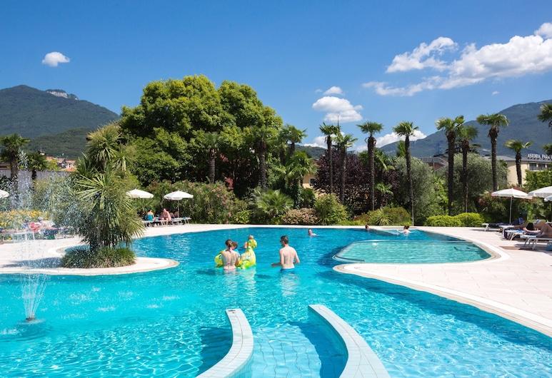 Astoria Resort, Riva del Garda, Medence