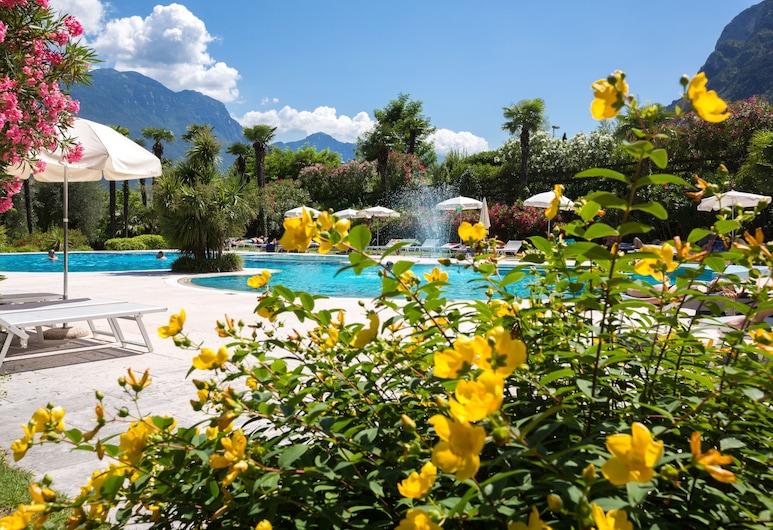 โรงแรมแอสตอเรียพาร์ค สปารีสอร์ท, Riva del Garda, บริเวณภายนอก