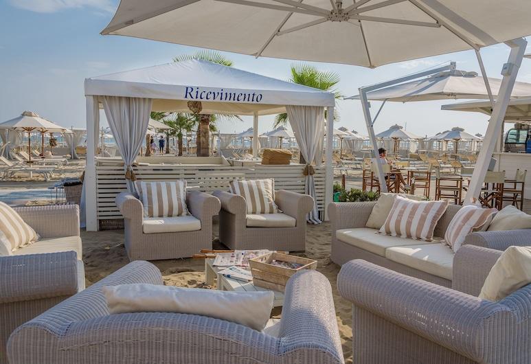 Residence Lungomare, Riccione, Bar pantai