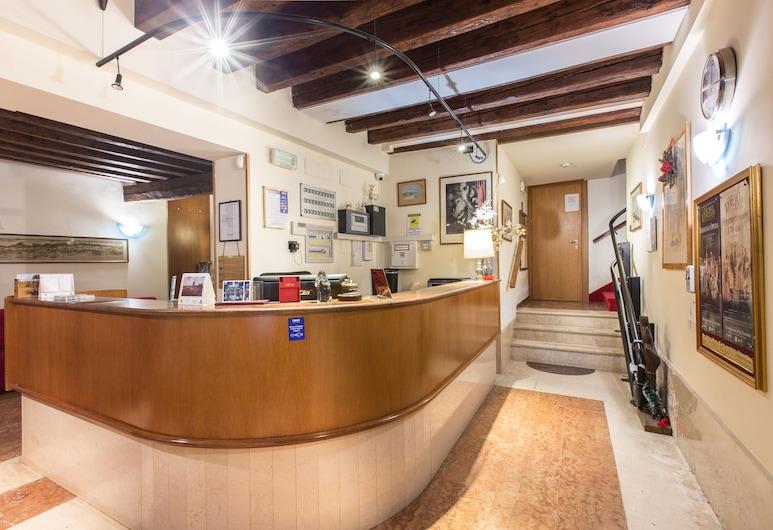 Hotel Iris Venice, Венеция, Стойка регистрации