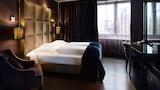 Choose This Romantic Hotel in Frankfurt -  - Online Room Reservations