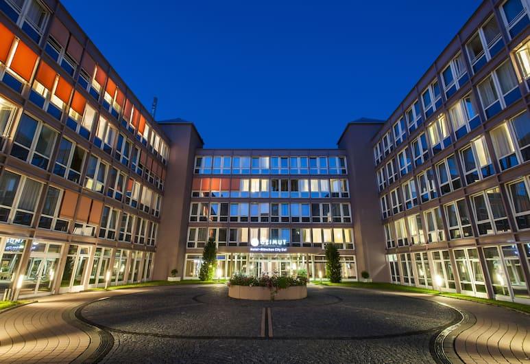 AZIMUT Hotel Munich, Munich, Hotel Front – Evening/Night