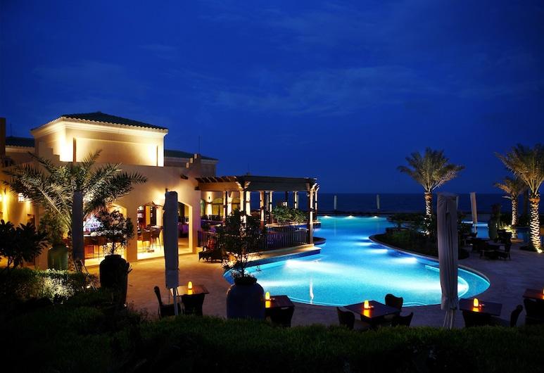 Anantara Desert Islands Resort & Spa, เกาะ Sir Bani Yas, วิวจากโรงแรม