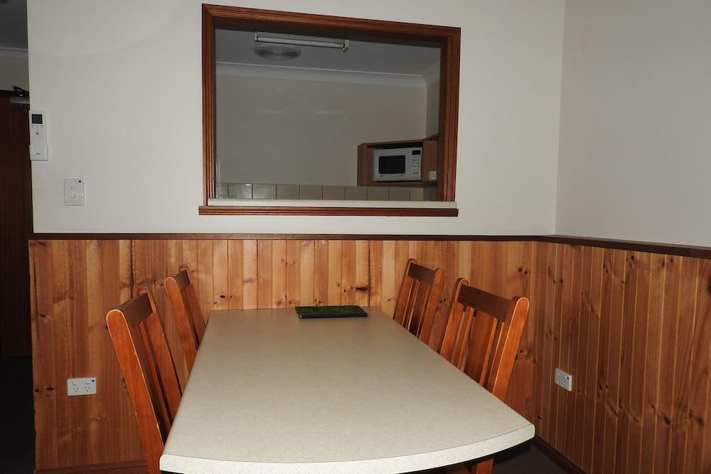 Eco Lodge Apartment - In-Room Dining
