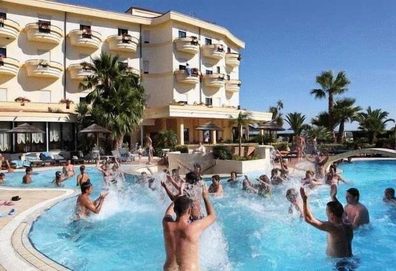 Sunshine Hotel & Spa, Ricadi, Näköala hotellista