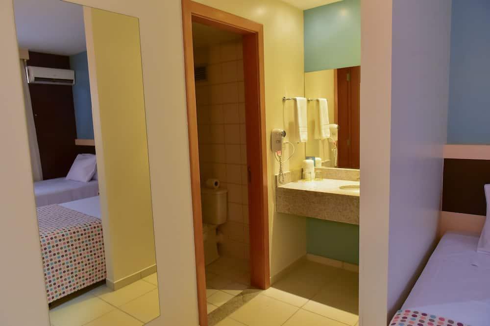 Executive-huone, 1 keskisuuri parisänky, Tupakointi kielletty - Kylpyhuone