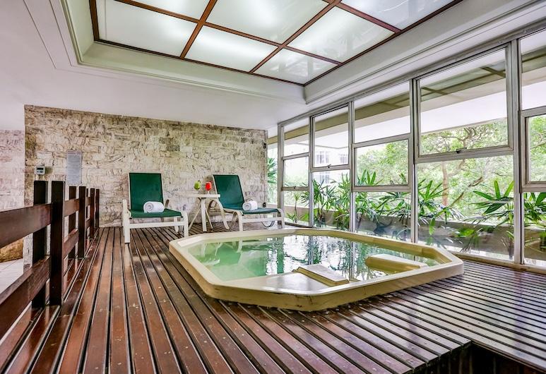 Copacabana Suites by Atlantica Hotels, Rio de Janeiro, Outdoor Spa Tub
