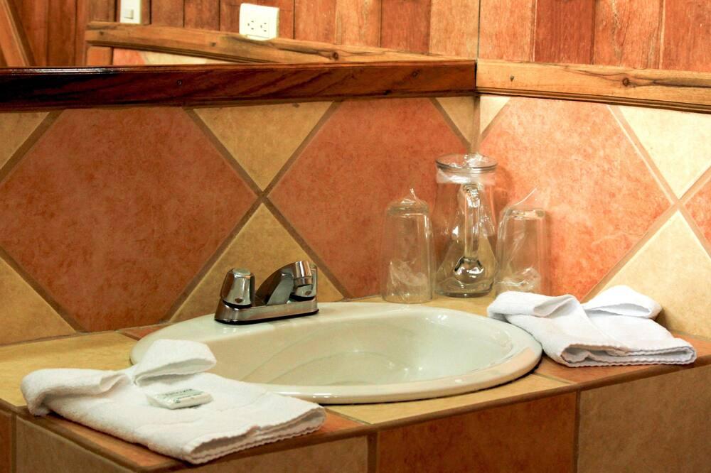 Standard Room, Garden View - Bathroom