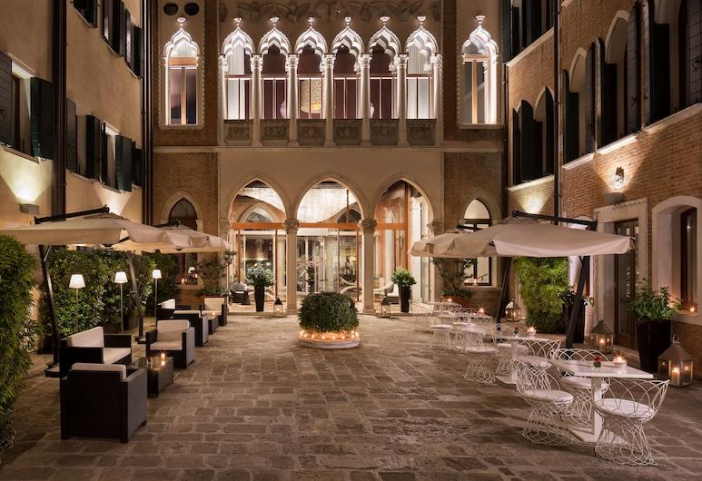 Sina Centurion Palace, Veneza, Fachada