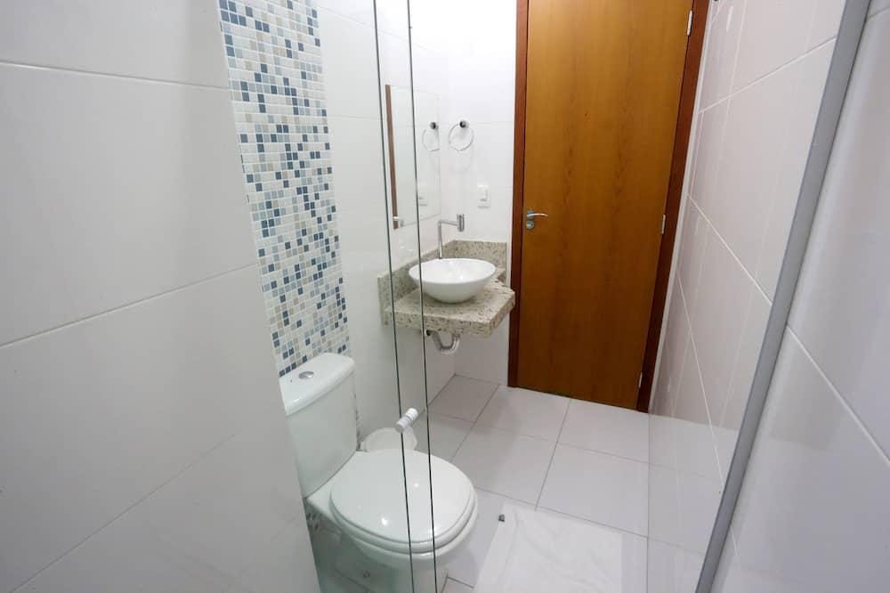 Business Tek Büyük veya İki Ayrı Yataklı Oda - Banyo