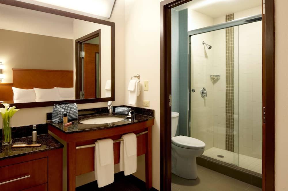 Room, 1 King Bed (High Floor) - Bathroom