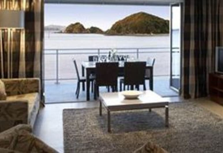 The Waterfront Suites - Heritage Collection, Paihia, Beach