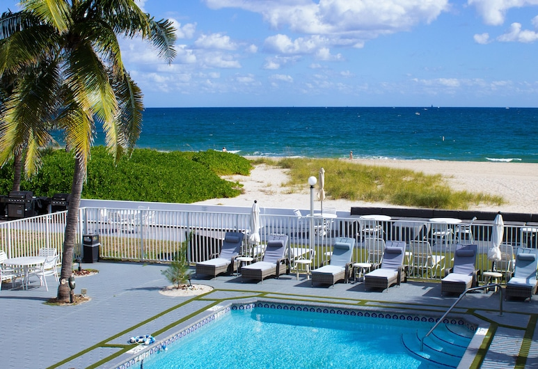 Coral Tides Resort, Pompano Beach, Property Grounds