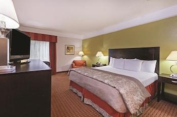 Picture of La Quinta Inn & Suites Winnie in Winnie