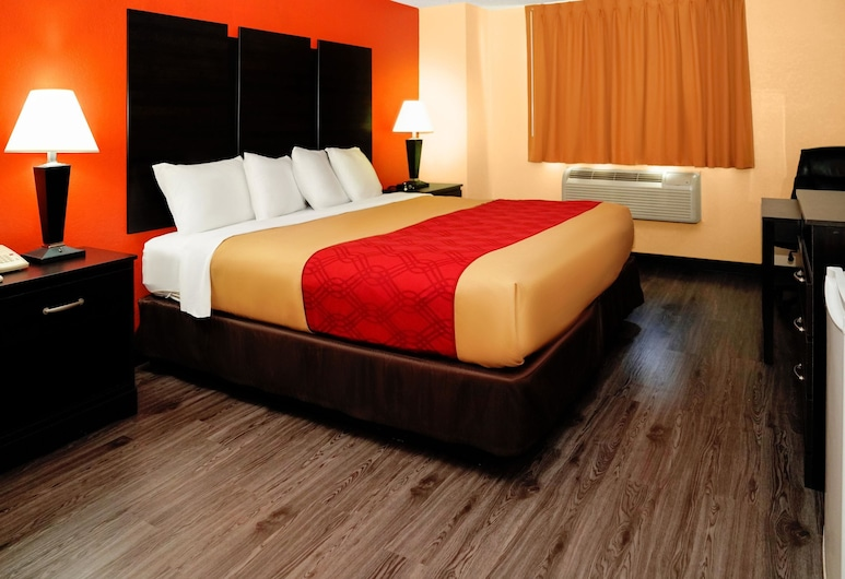 Econo Lodge, Rome, Standard Room, 1 King Bed, Smoking, Guest Room