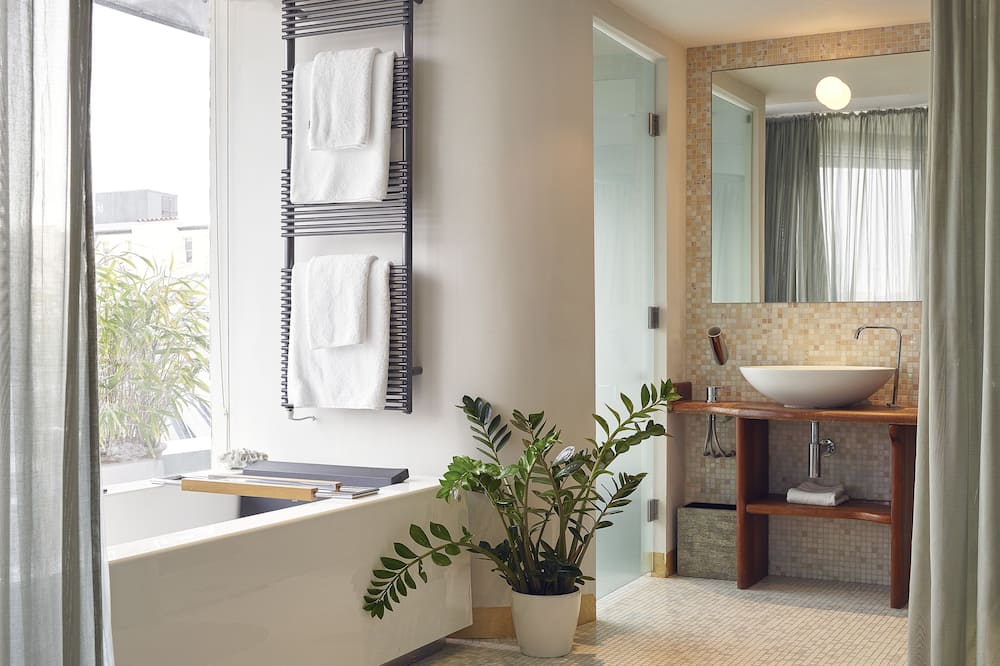 Design Studio - Bathroom