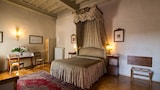 Choose This Business Hotel in Florence -  - Online Room Reservations
